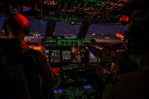 cockpit-1442715_1280